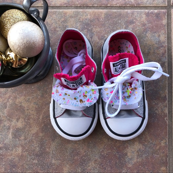 NEW Baby Converse Size 6 Double Tongue Confetti
